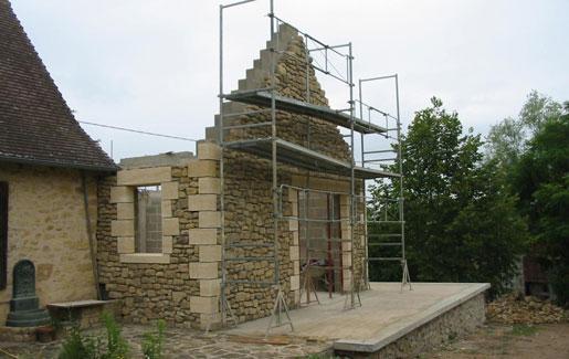 Construction d'extension de maison - maçonnerie et couverture