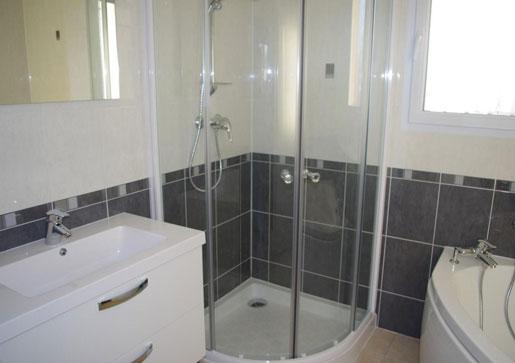 CONSTRUCTIONS SAVIGNACOISES FERRON - Spécialiste  de vos travaux de bâtiment - Réalisation de salle de douche